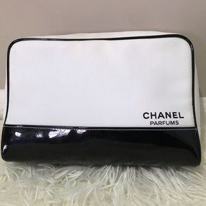 CHANEL PARFUMS COSMETICS & MAKEUP BAG.